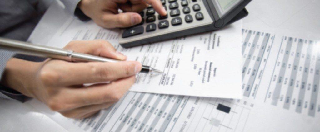 untuk menjadi seorang konsultan kewangan anda tidak perlu sebarang sijil asalkan tahu 3M (Membaca, Menulis & Mengira).